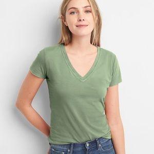 Gap vintage wash T-shirt twig green v neck small